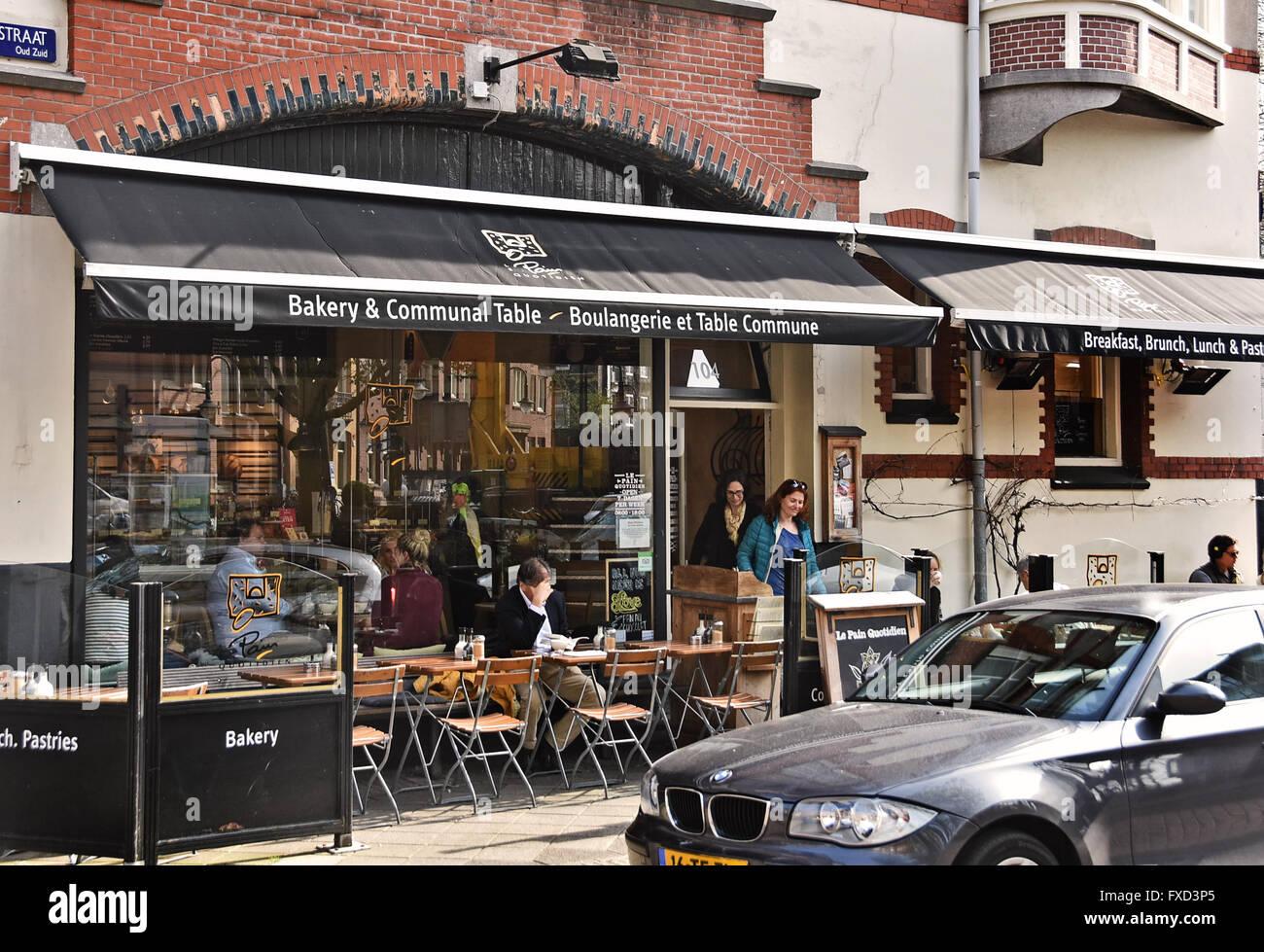Le Pain Quotidien ( Bakery & Communal  Table ) Cornelis Schuytstraat  Oud Zuid Amsterdam   Dutch Netherlands Stock Photo