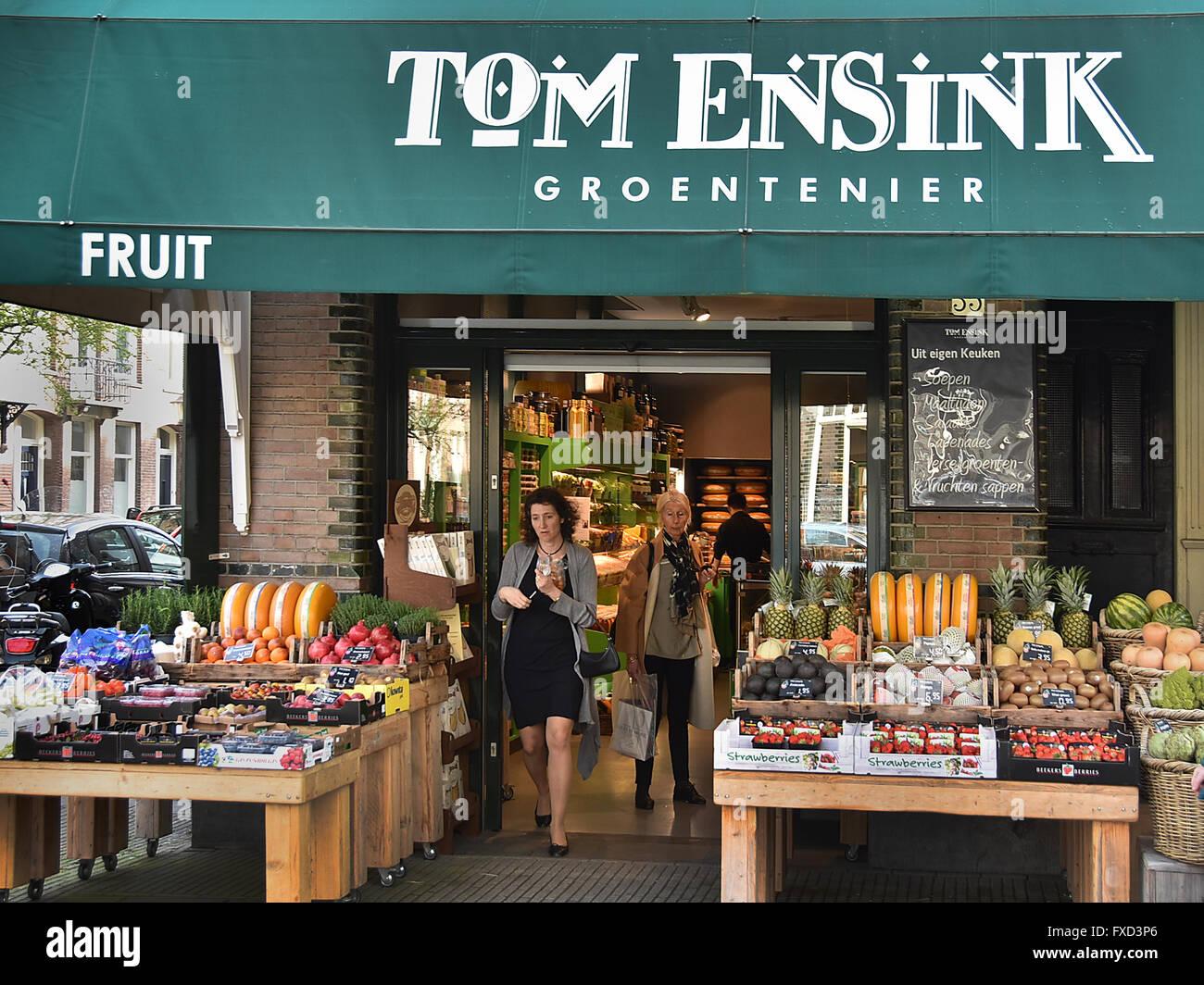 Greengrocer Tom Ensink ( groetenier ) Cornelis Schuytstraat  Oud Zuid Amsterdam   Dutch Netherlands Stock Photo