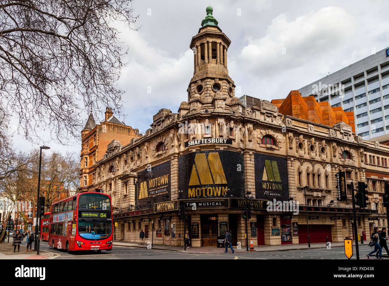The Shaftesbury Theatre, Shaftesbury Avenue, London, England - Stock Image