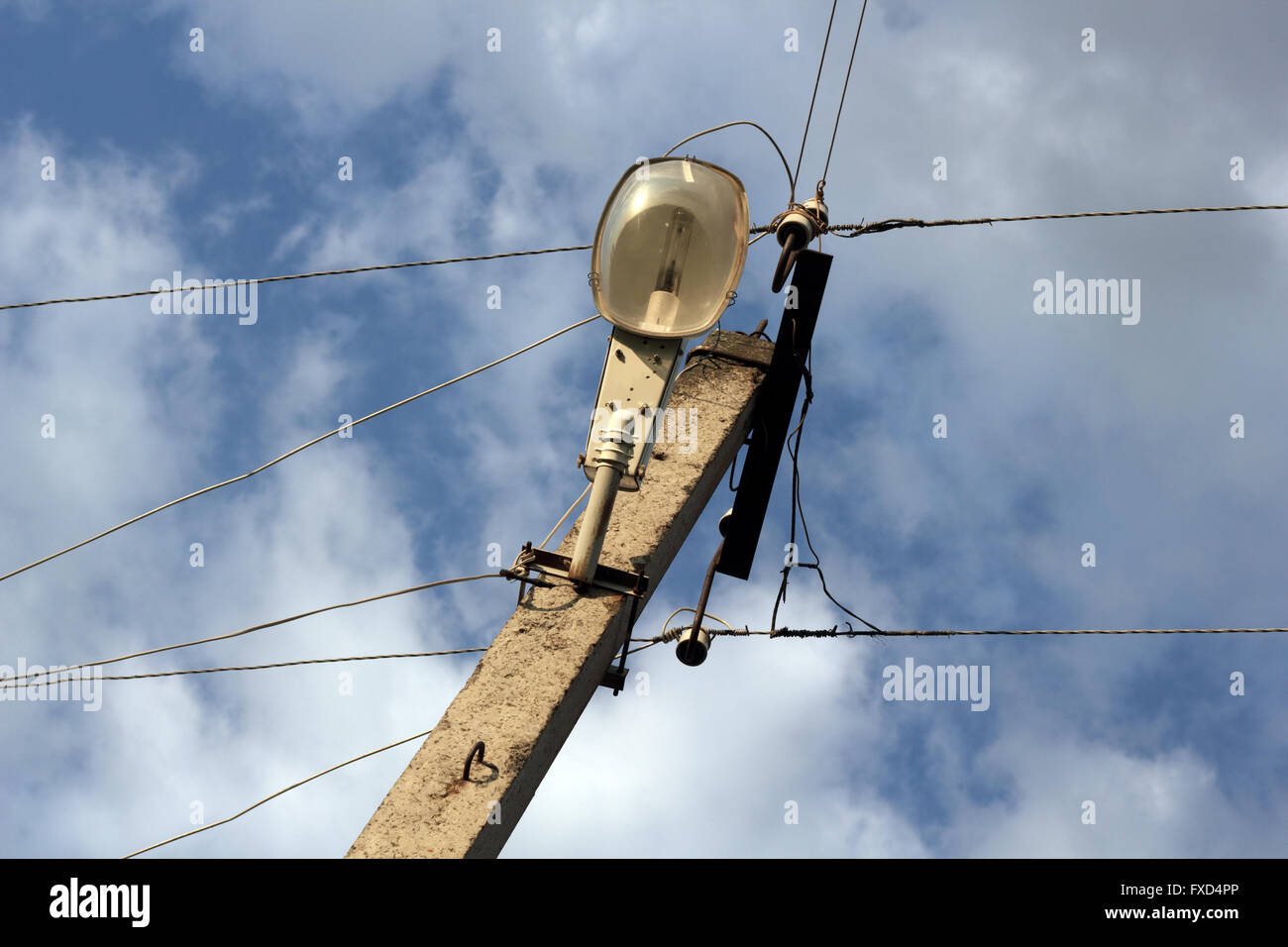 electrical wire support column stock photos electrical wire rh alamy com Electrical Outlet Wiring Diagram Electrical Outlet Wiring Diagram