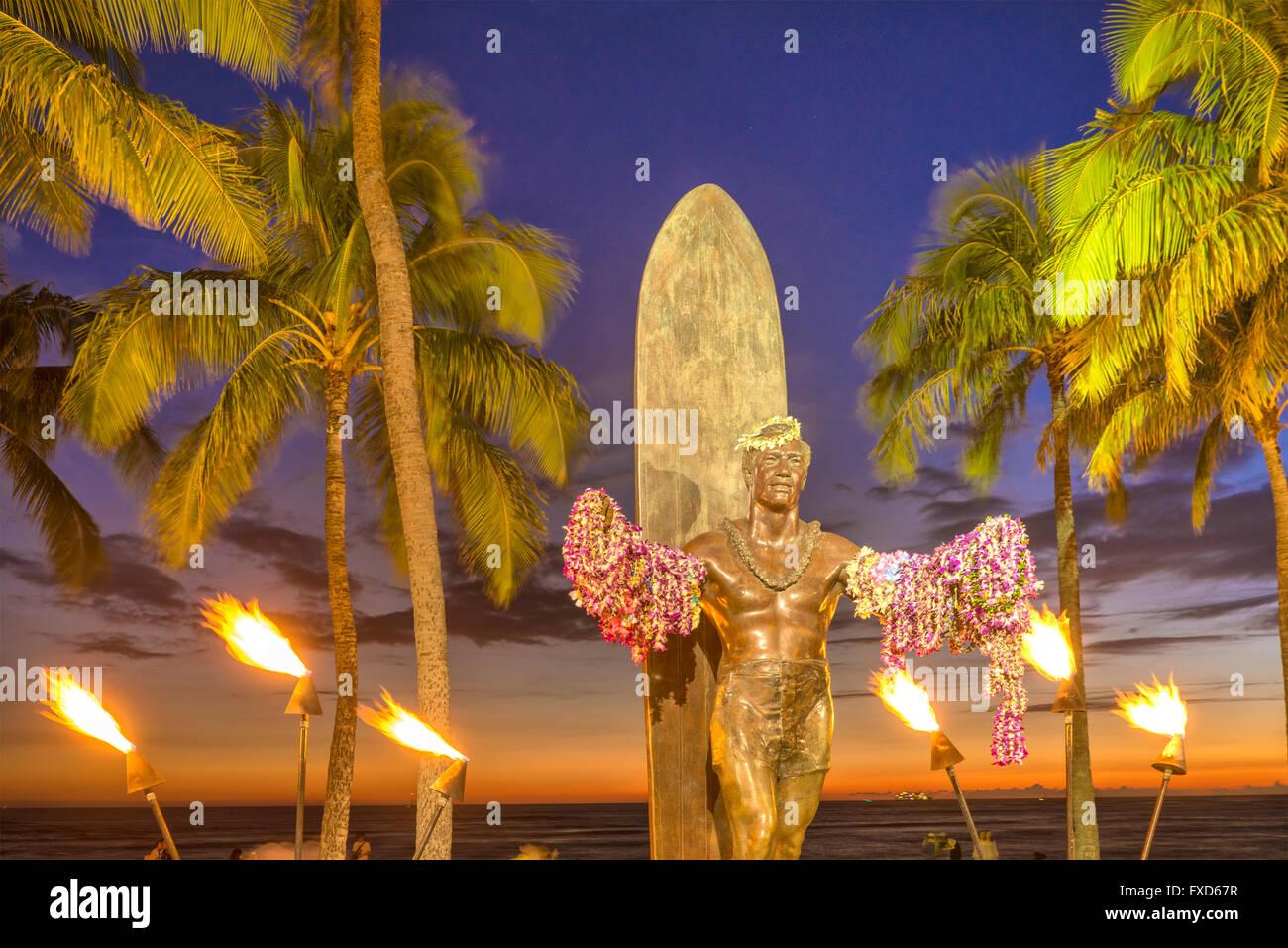 USA, Hawaii, Oahu, Honolulu, Waikiki, Duke Kahanamoku Statue - Stock Image