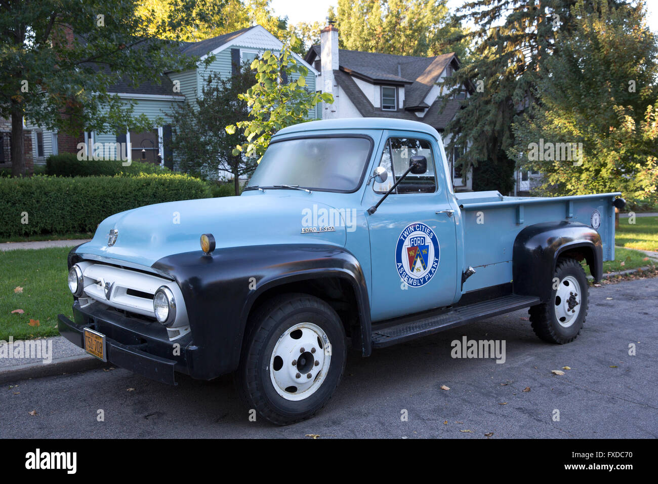 A classic 1953 Ford F-350 pickup truck with a Twin Cities Ford Assembly Plant decal on the side - Stock Image