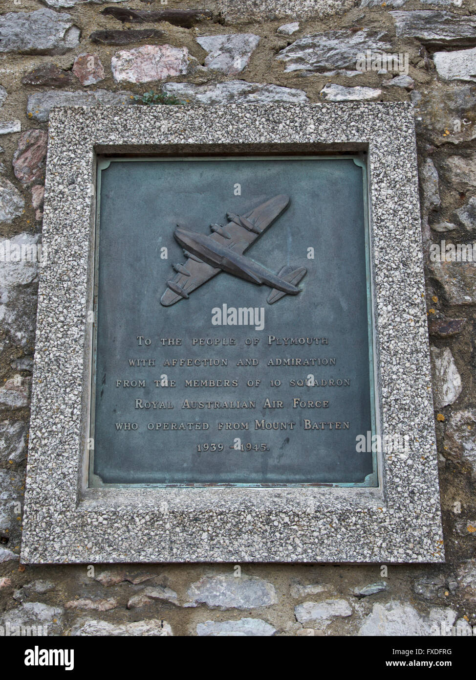 Royal Australian Air Force commemorative plaque on the sea wall at Plymouth - Stock Image