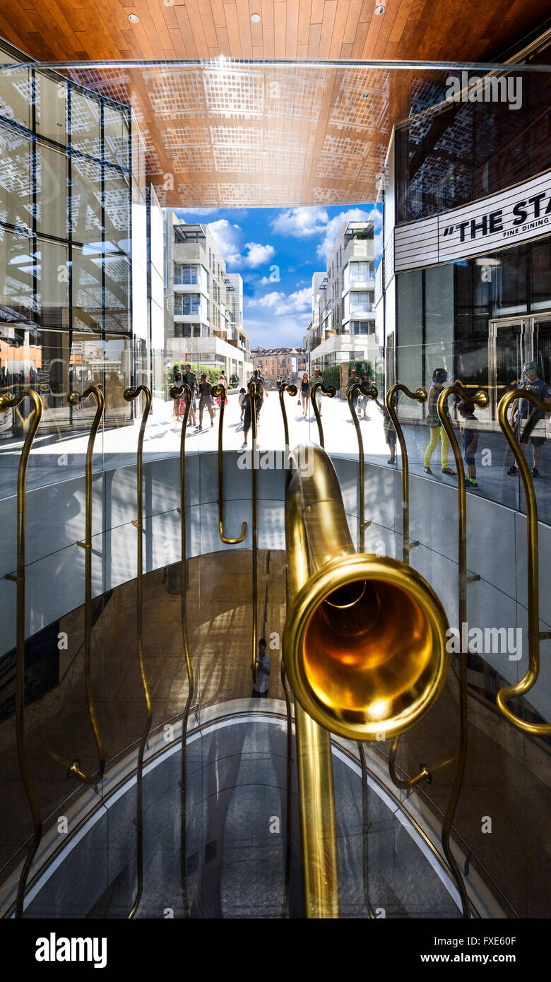 MILAN , LOMBARDIE,  ITALY - AUGUST 30 2015 : Porta Nuova, the Golden Trumpets Installation by Garutti - Stock Image