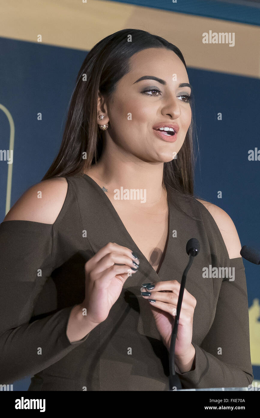 Page 8 Indian Actress High Resolution Stock Photography And Images Alamy
