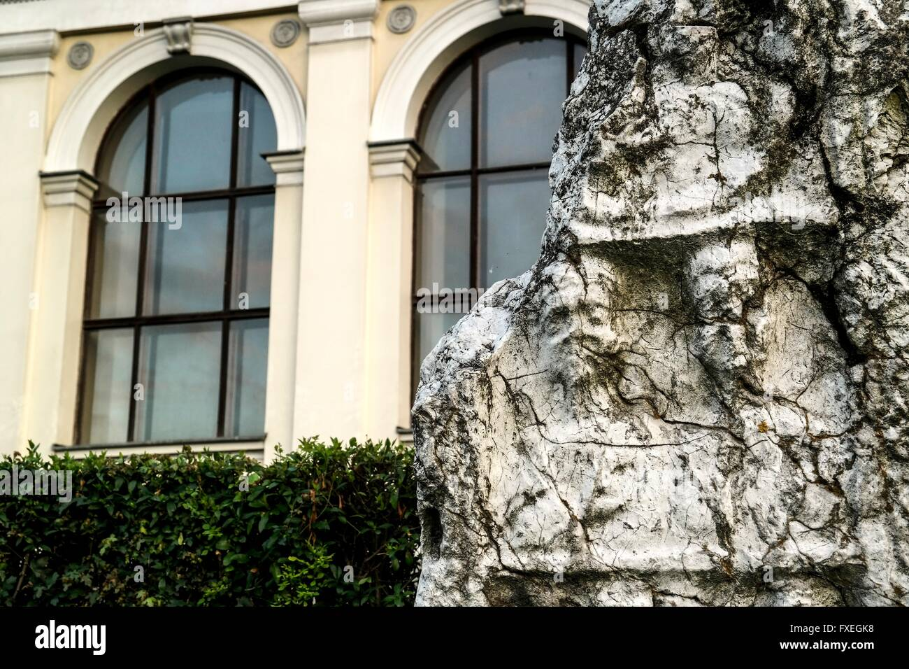 Old gravestone in front of the National Museum of Bosnia and Herzegovina. - Stock Image