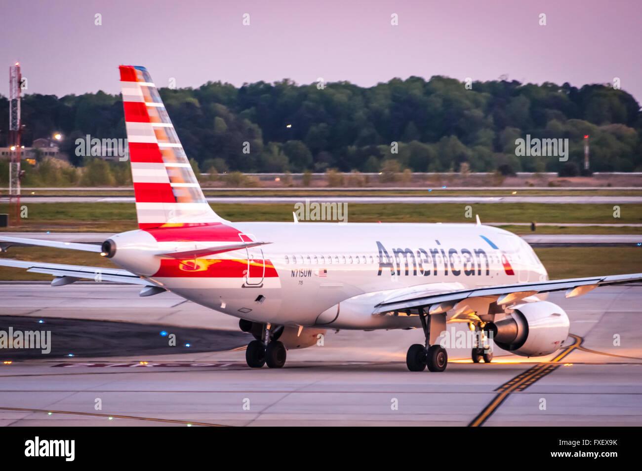 American Airlines passenger jet at Hartsfield-Jackson Atlanta International Airport in Atlanta, Georgia, USA. - Stock Image