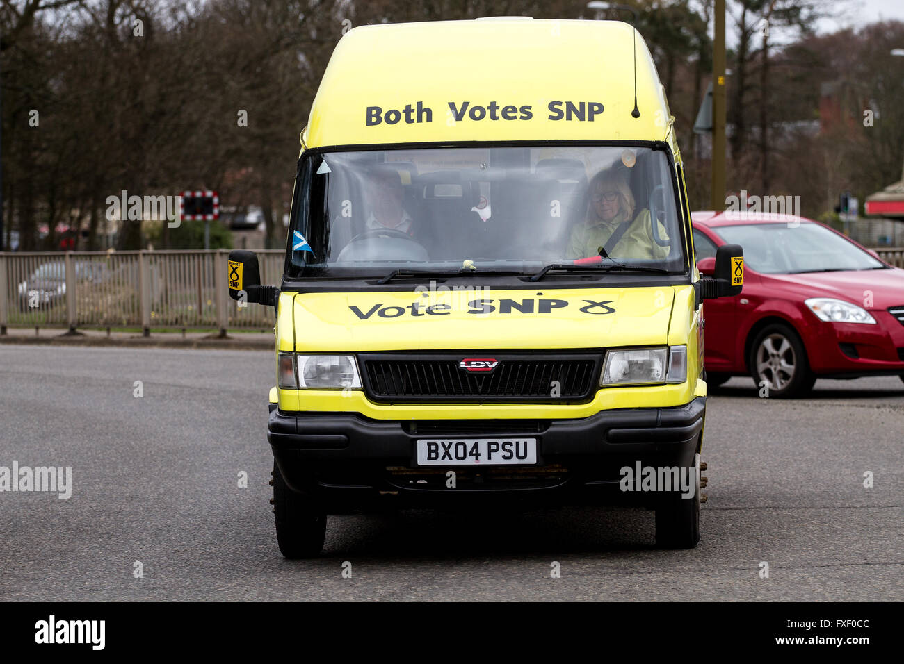 The Christopher Law 'Scottish Independence Party' van travelling around the Kingsway West flyover roundabout - Stock Image