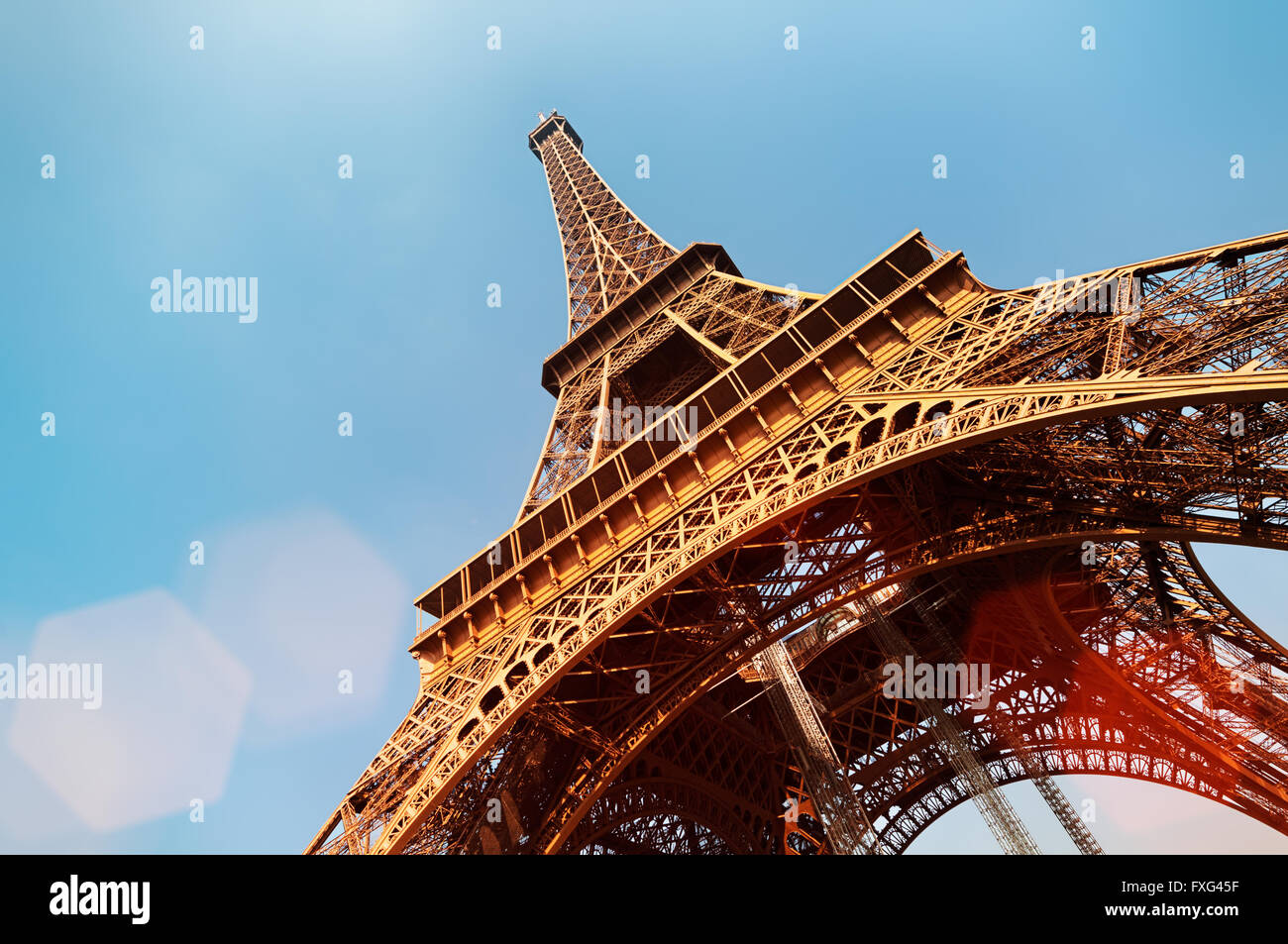 Eiffel Tower with lens flare and copy space. - Stock Image