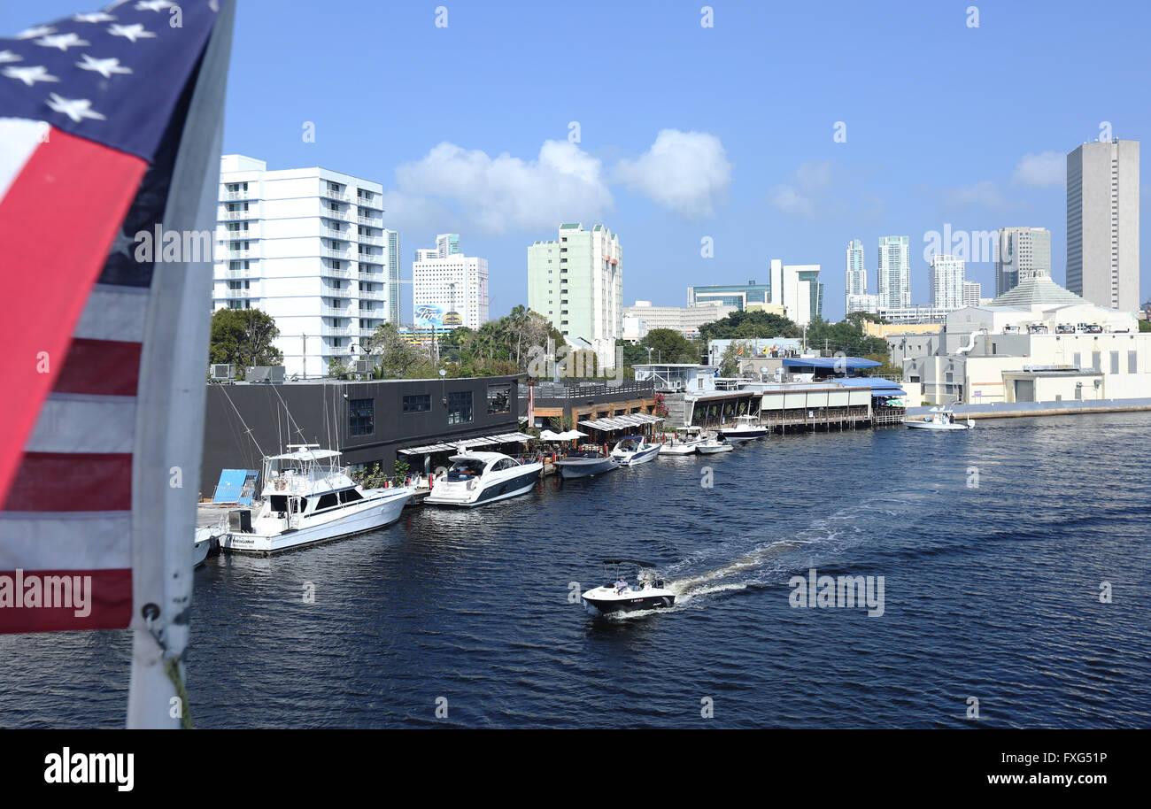 Fifth Street River, Miami, Florida, USA.  Photo by Sean Drakes/Alamy Stock Photo