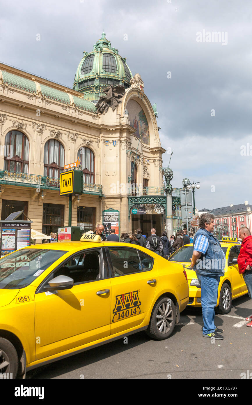 The Prague cabbies waiting for customers in front of the Municipal House, Street Na Prikope, Prague, Czech Republic Stock Photo