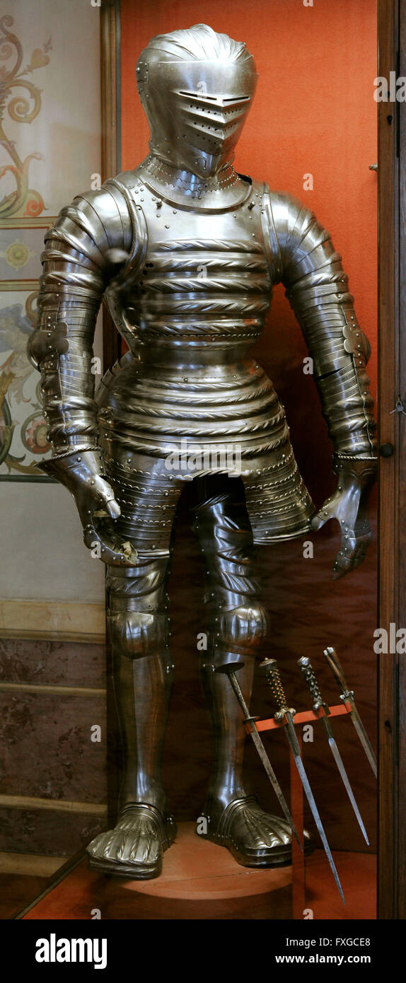 Puffed ans slashed armour. Probably by Hans Rabeiler. 1510-1515. Innsbruck, Austrian. Daggers, 16th century. The - Stock Image