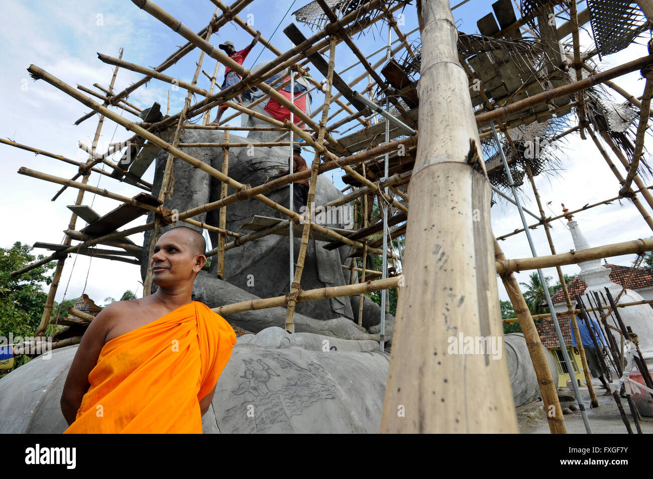 SRI LANKA, new buddhist stupa construction is going on after war against  the LTTE tamil tigers / SRI LANKA, nach - Stock Image