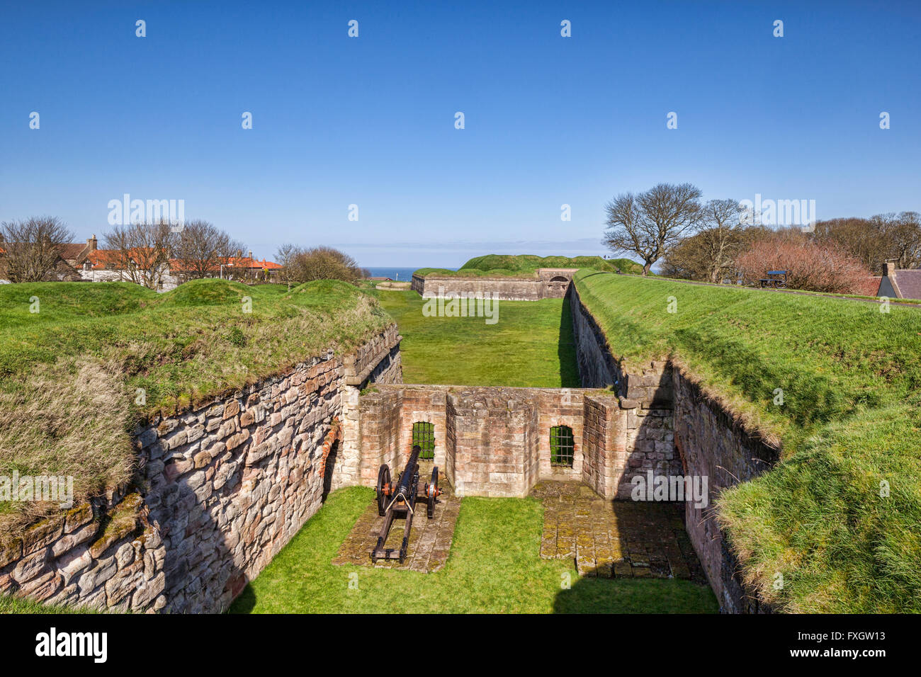 Gun emplacement on the town walls at Berwick-upon-Tweed, Northumberland,England, UK - Stock Image
