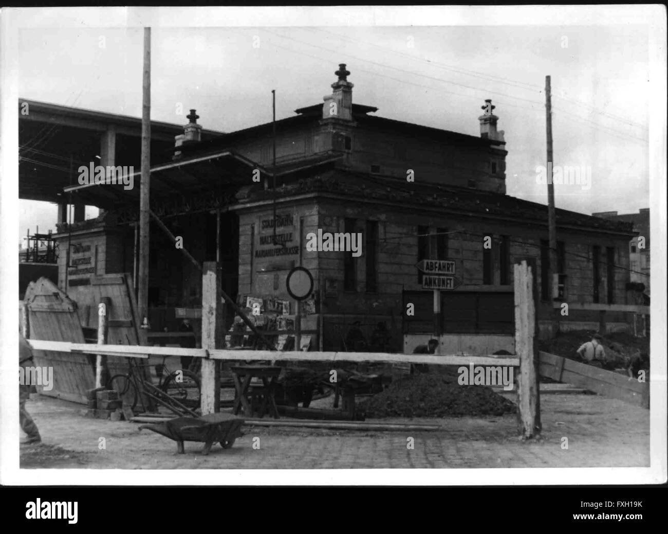 Bau des Wiener Westbahnhofes - Stock Image