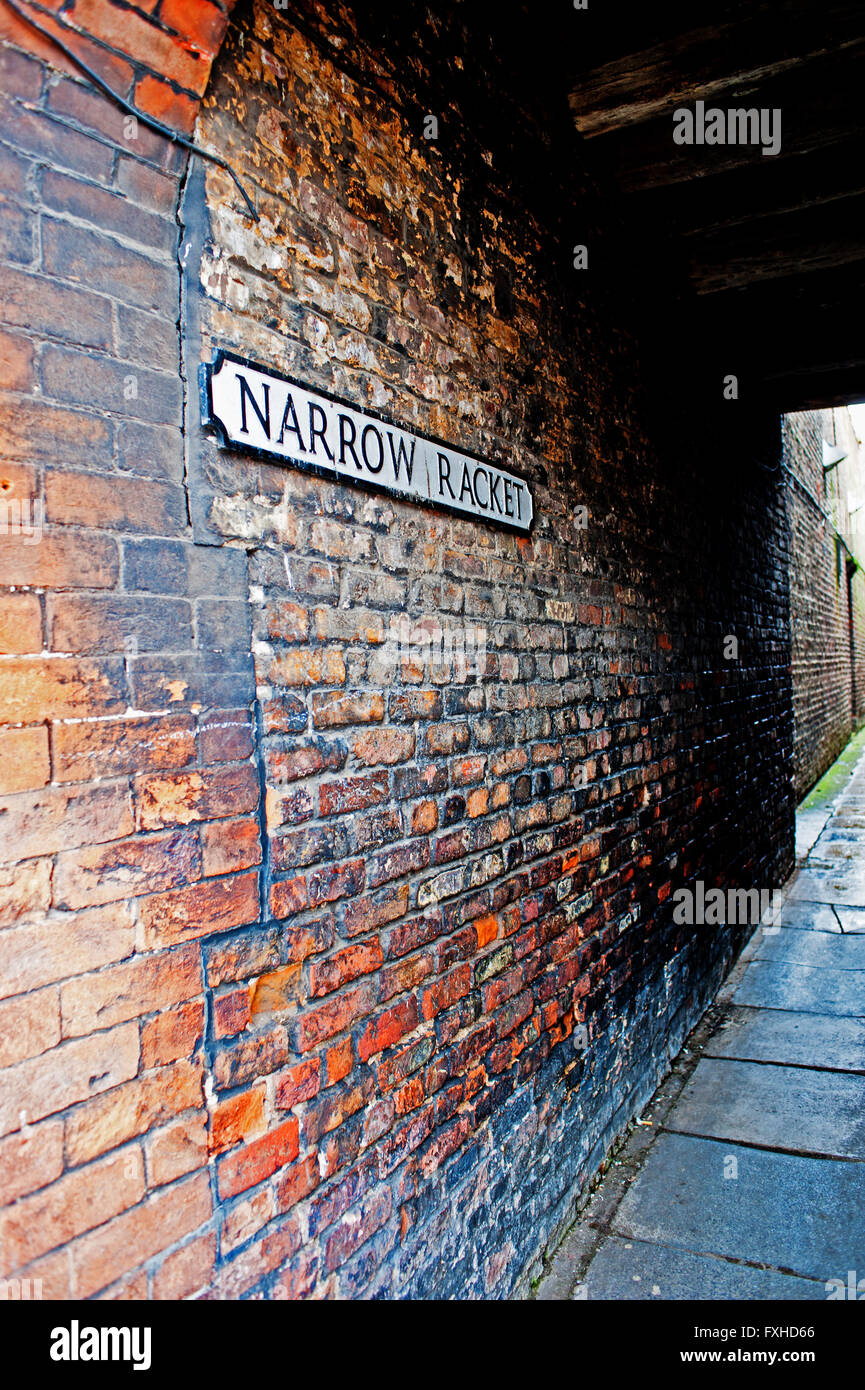 Narrow Racket Passageway, Beverley, East Riding Yorkshire - Stock Image