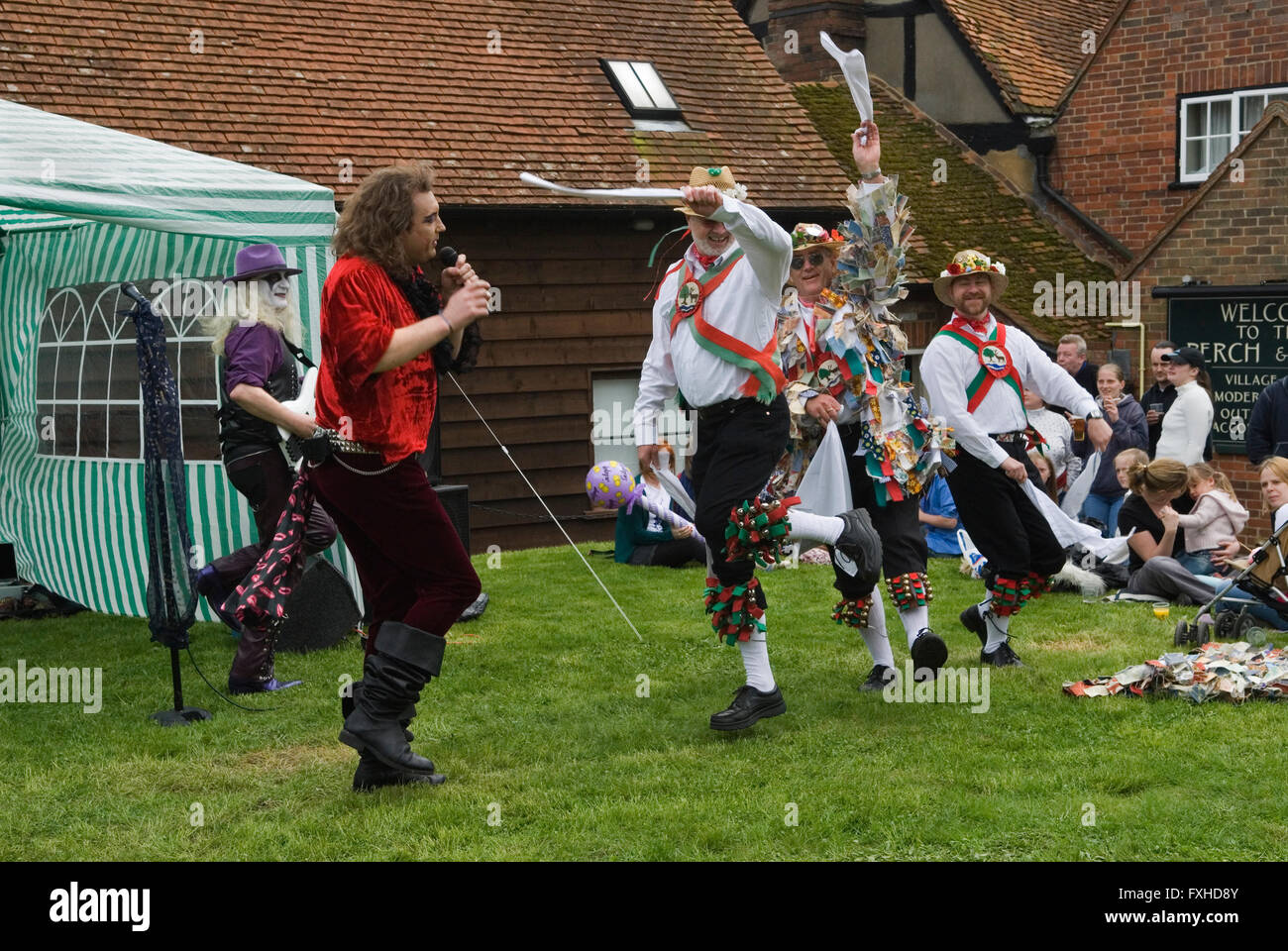 May Day Fair, Glam Rock Band The Look, and  the Kennet Morris men at the Perch and Pike pub South Stoke Berkshire - Stock Image