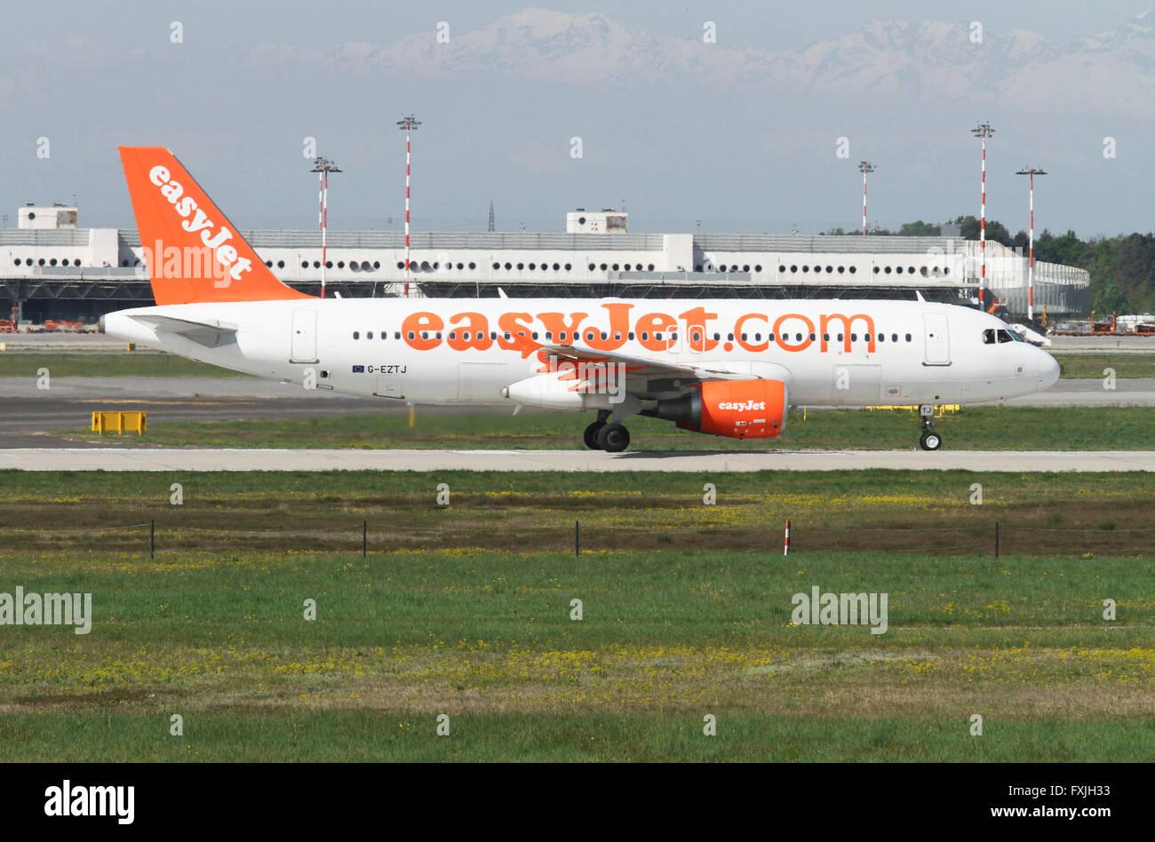EasyJet, Airbus A320-214 at Linate airport, Milan, Italy - Stock Image