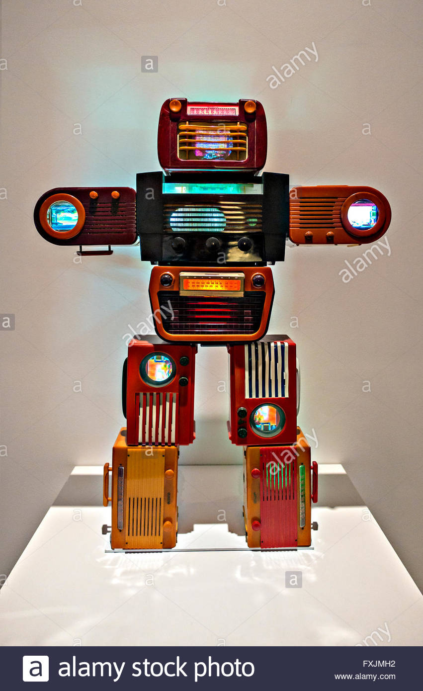 Bakelite Robot Old Vintage Valve Radios made into a Work of Art  By the Korean artist Nam June Paik 1932 - 2000 - Stock Image