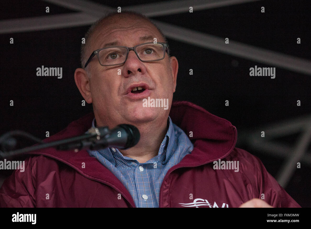 London, UK. 16th April, 2016. Dave Ward, General Secretary of the Communication Workers' Union (CWU), addresses - Stock Image