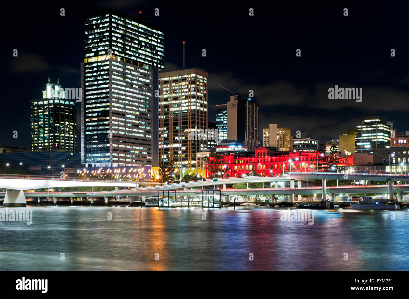 Brisbane River and the Central Business District at night.. - Stock Image