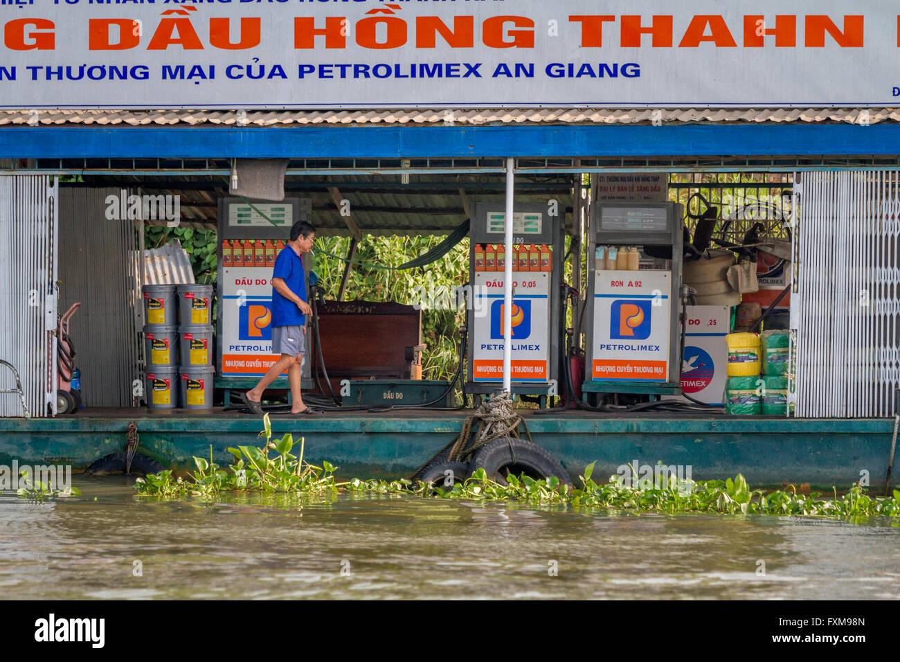 Floating petrol station, Chau Doc, Vietnam - Stock Image