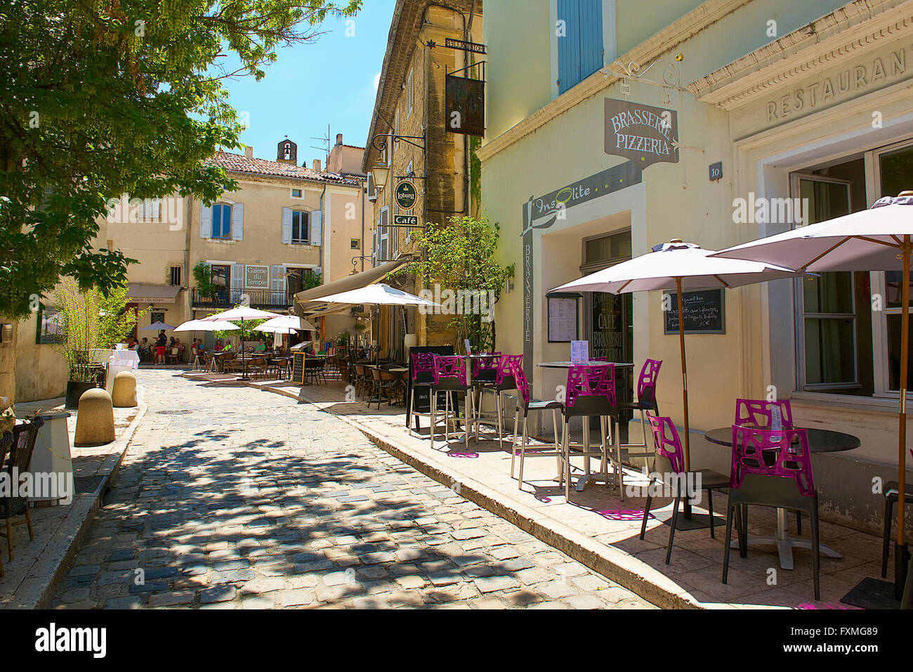 street view of lourmarin france stock photo 102484713 alamy. Black Bedroom Furniture Sets. Home Design Ideas
