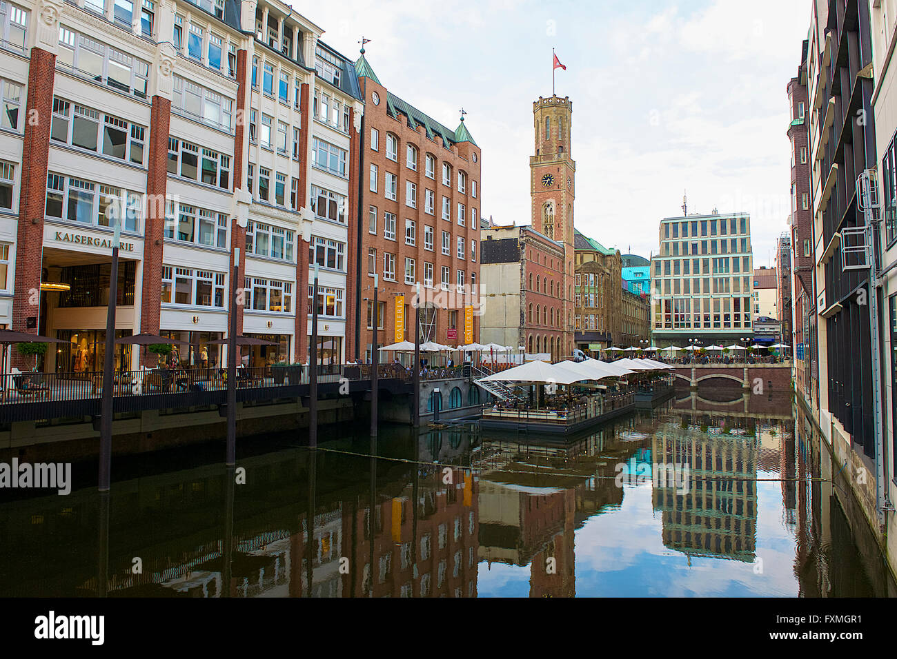 cafe canal hamburg stock photos cafe canal hamburg stock images alamy. Black Bedroom Furniture Sets. Home Design Ideas
