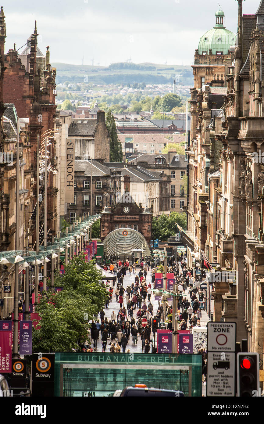 Pedestrians shopping on busy Buchanan Street Glasgow - Stock Image