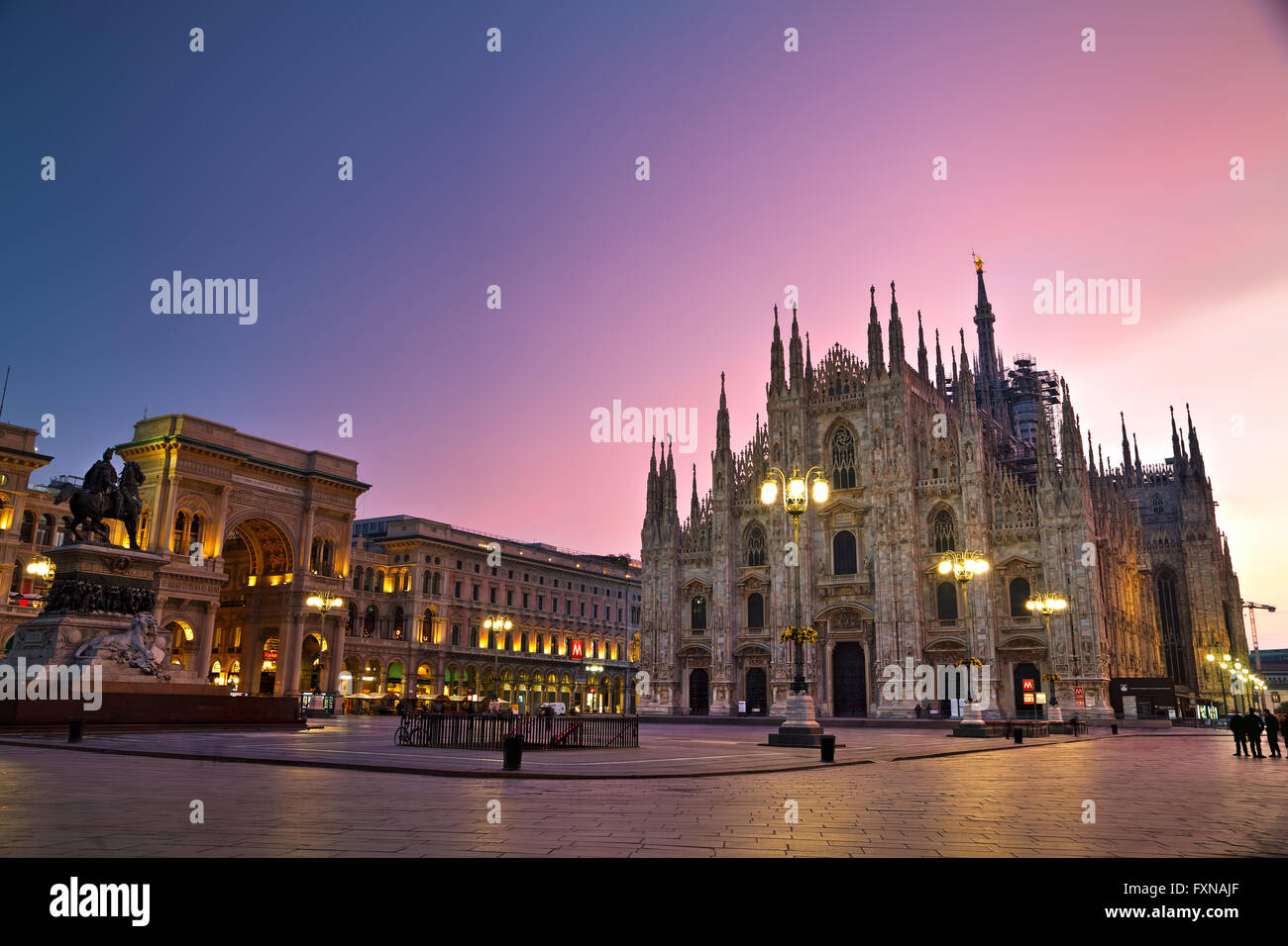 MILAN, ITALY - NOVEMBER 25: Duomo cathedral with people early in the morning on November 25, 2015 in Milan, Italy. - Stock Image