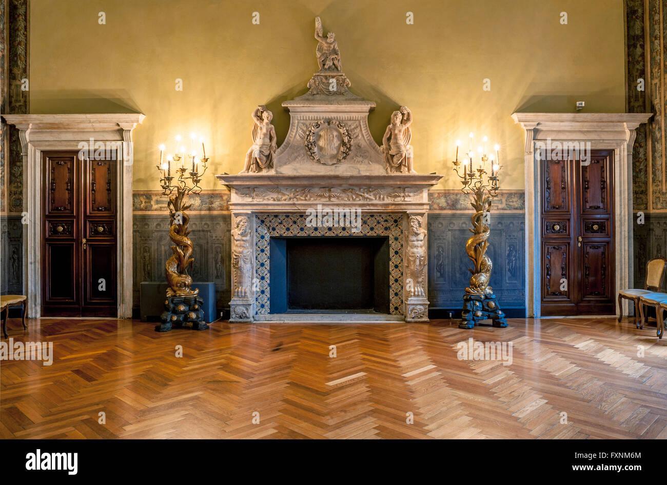 Italy Liguria Genoa - Piazza della Meridiana - Rolli Palace - Palace Gerolamo Grimaldi Sec XVI - Palazzo della Meridiana Stock Photo