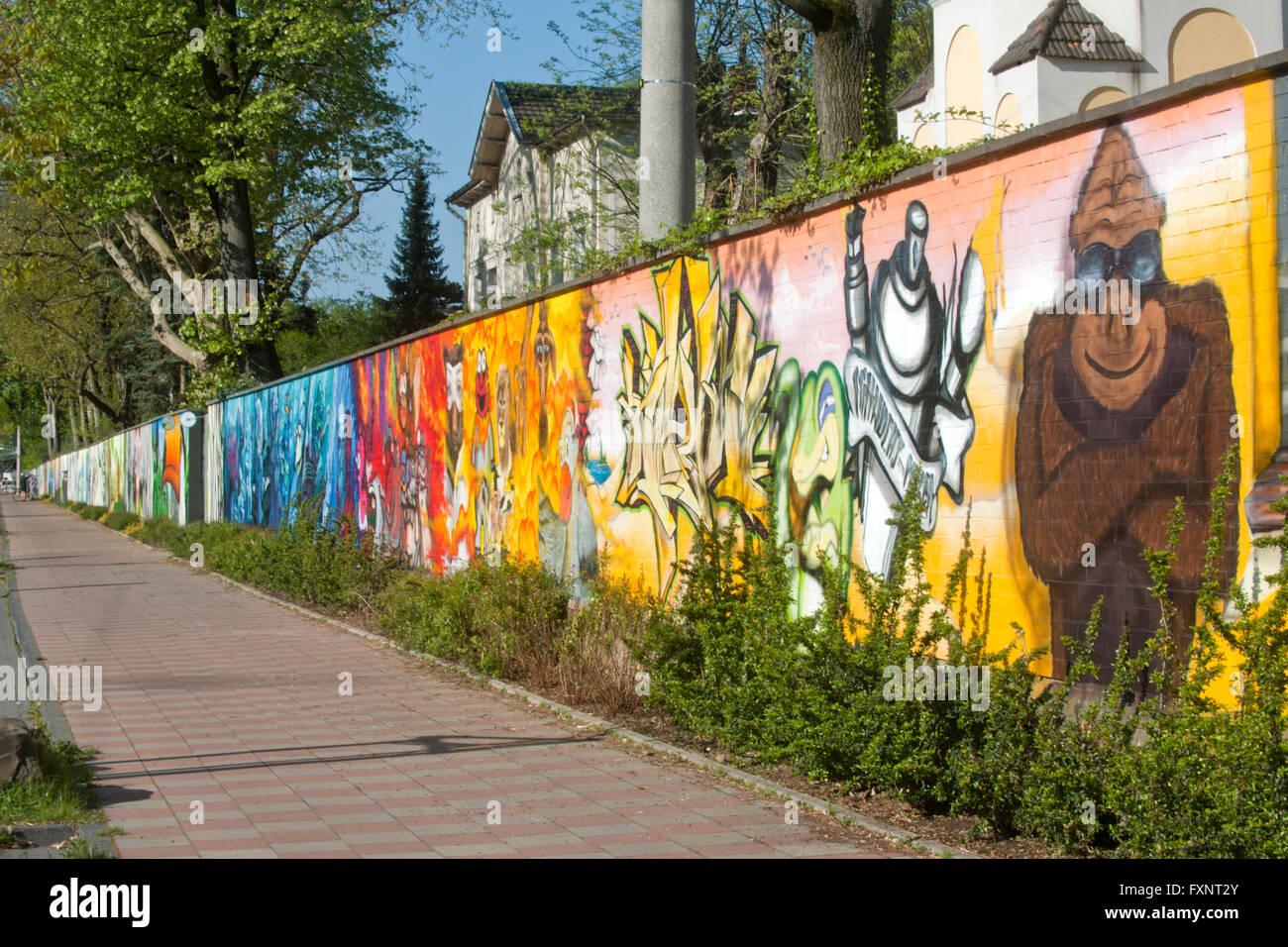 Deutschland, Köln, Riehl, Riehler Strasse, Zoo-ARTgerecht - gesprühte Kunst für den Kölner Zoo ein Wettbewerb im April 2011 vers Stock Photo