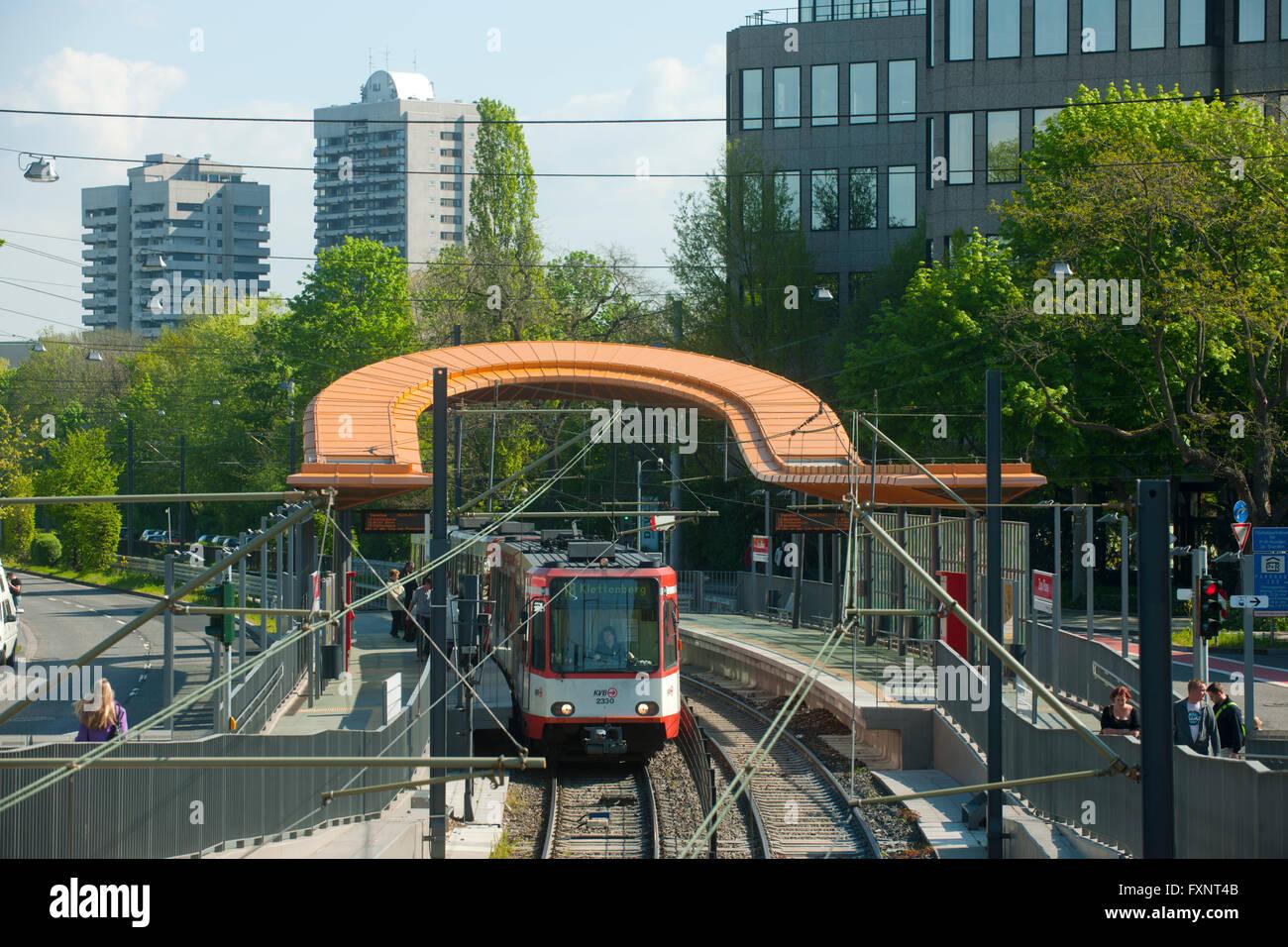 Deutschland, Köln, Riehl, Strassenbahnhaltestelle Riehler Strasse Stock Photo