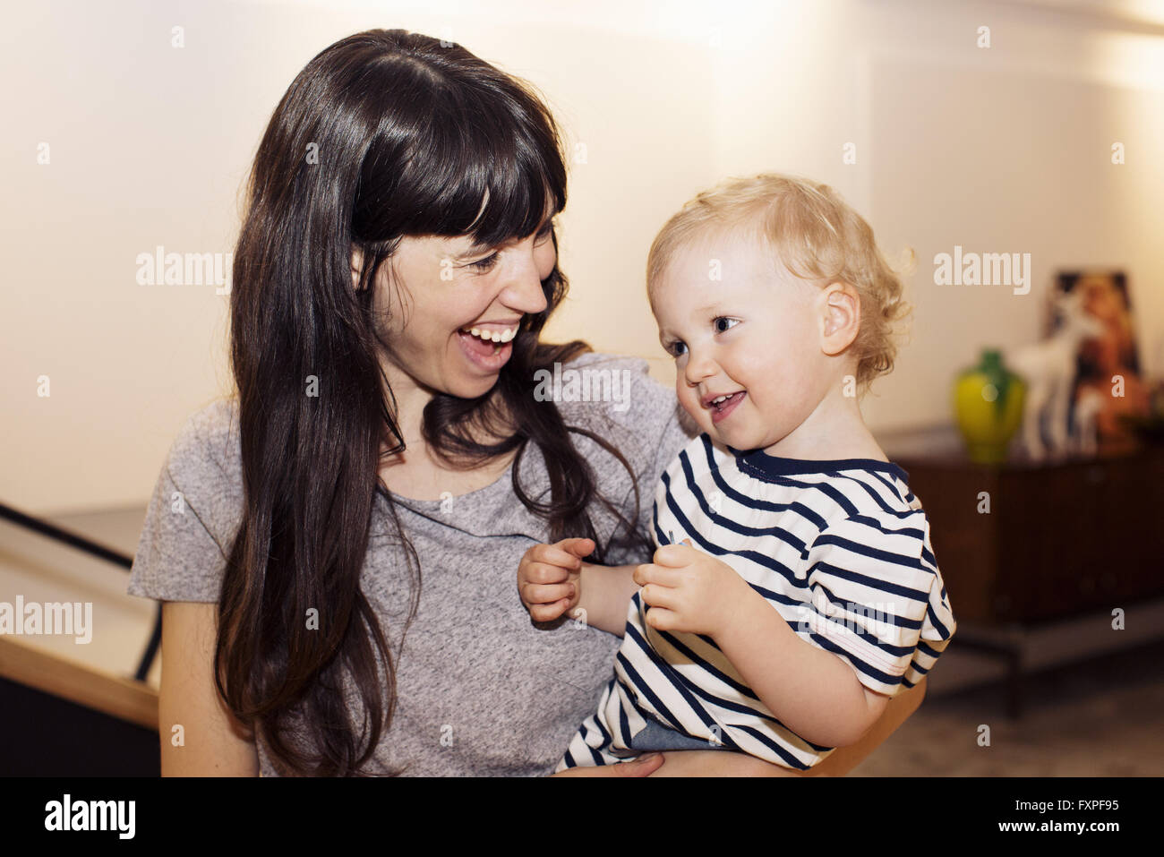Mother and toddler, portrait - Stock Image