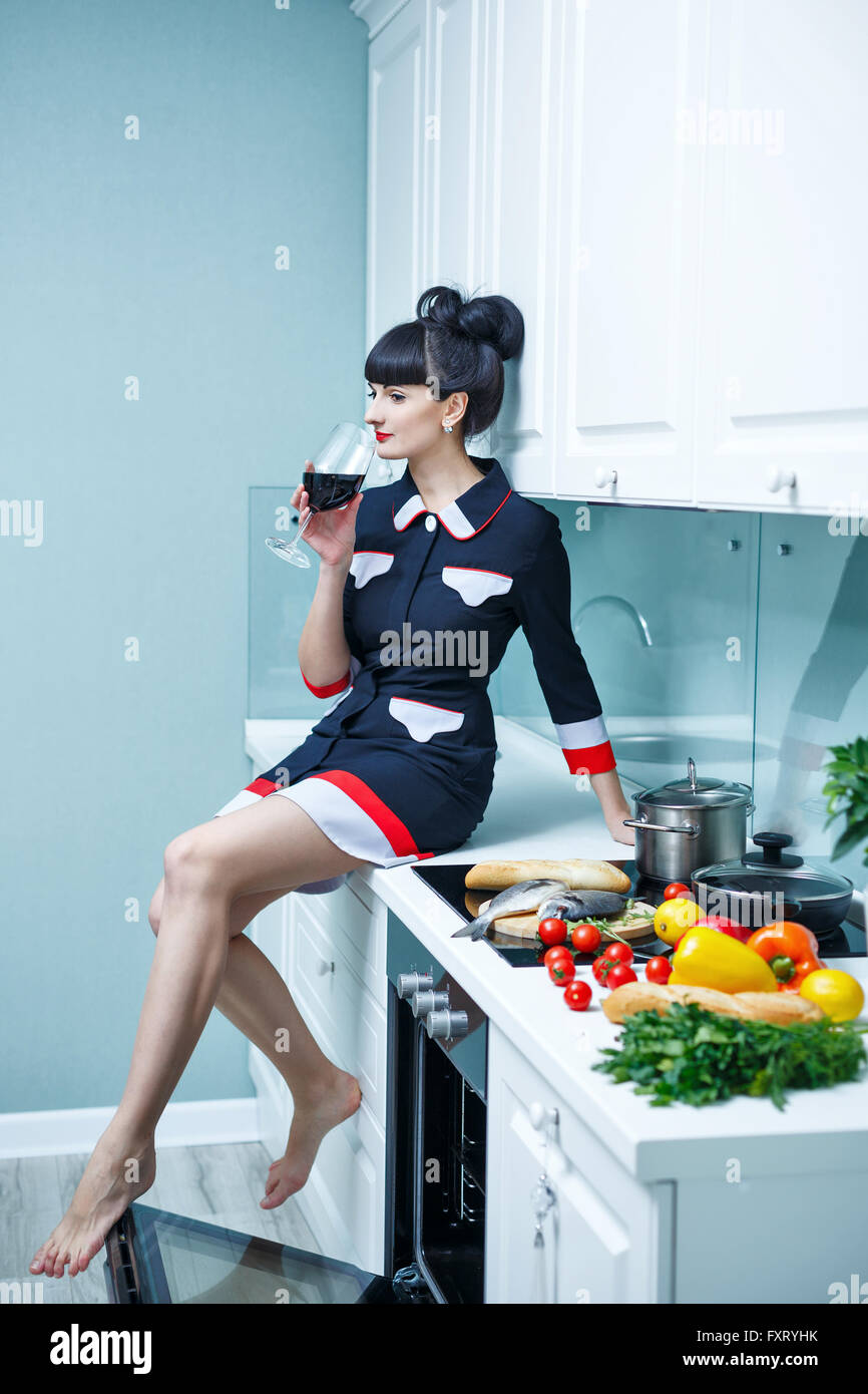 Woman Cooking Dinner On Stove Stock Photos & Woman Cooking Dinner On ...