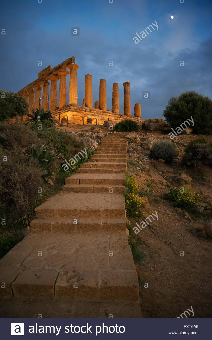 Stairway to Temple of Juno at dusk, Valley of the Temples, Agrigento, Sicily, Italy - Stock Image