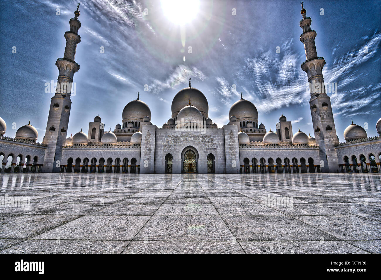 HDR view of the central area of the Sheikh Zayed Grand Mosque in Abu Dhabi - Stock Image