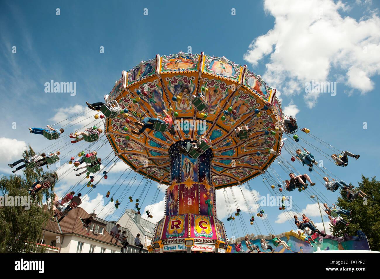 Deutschland, Nordrhein-Westfalen, Paderborn, Libori-Fest, Kirmes am Liboriberg - Stock Image
