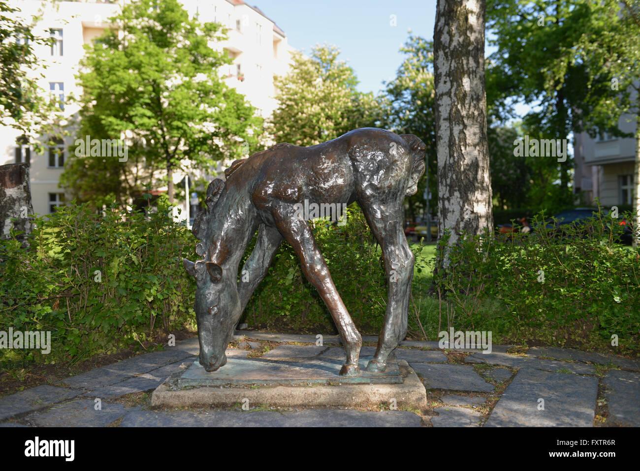 Grasendes Fohlen, Renée Sintenis-Platz, Friedenau, Berlin, Deutschland - Stock Image