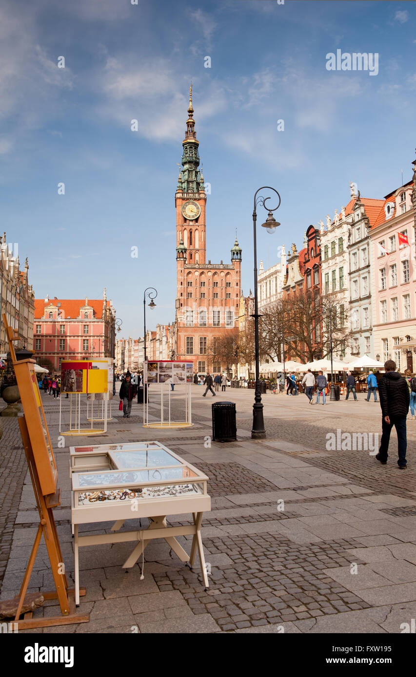 Amber jewelry stand in Gdansk at Dlugi Targ Street, Long Market in Danzig, Main Town Hall building beyond, Polish Stock Photo