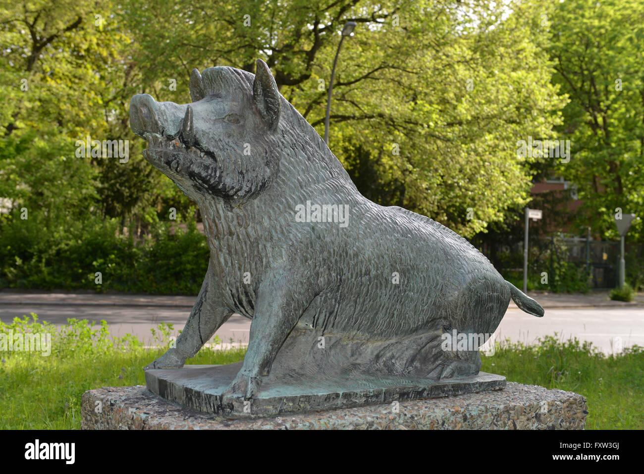 Bronzeplastik, Wildschwein, Platz am Wilden Eber, Schmargendorf, Wilmersdorf, Berlin, Deutschland - Stock Image