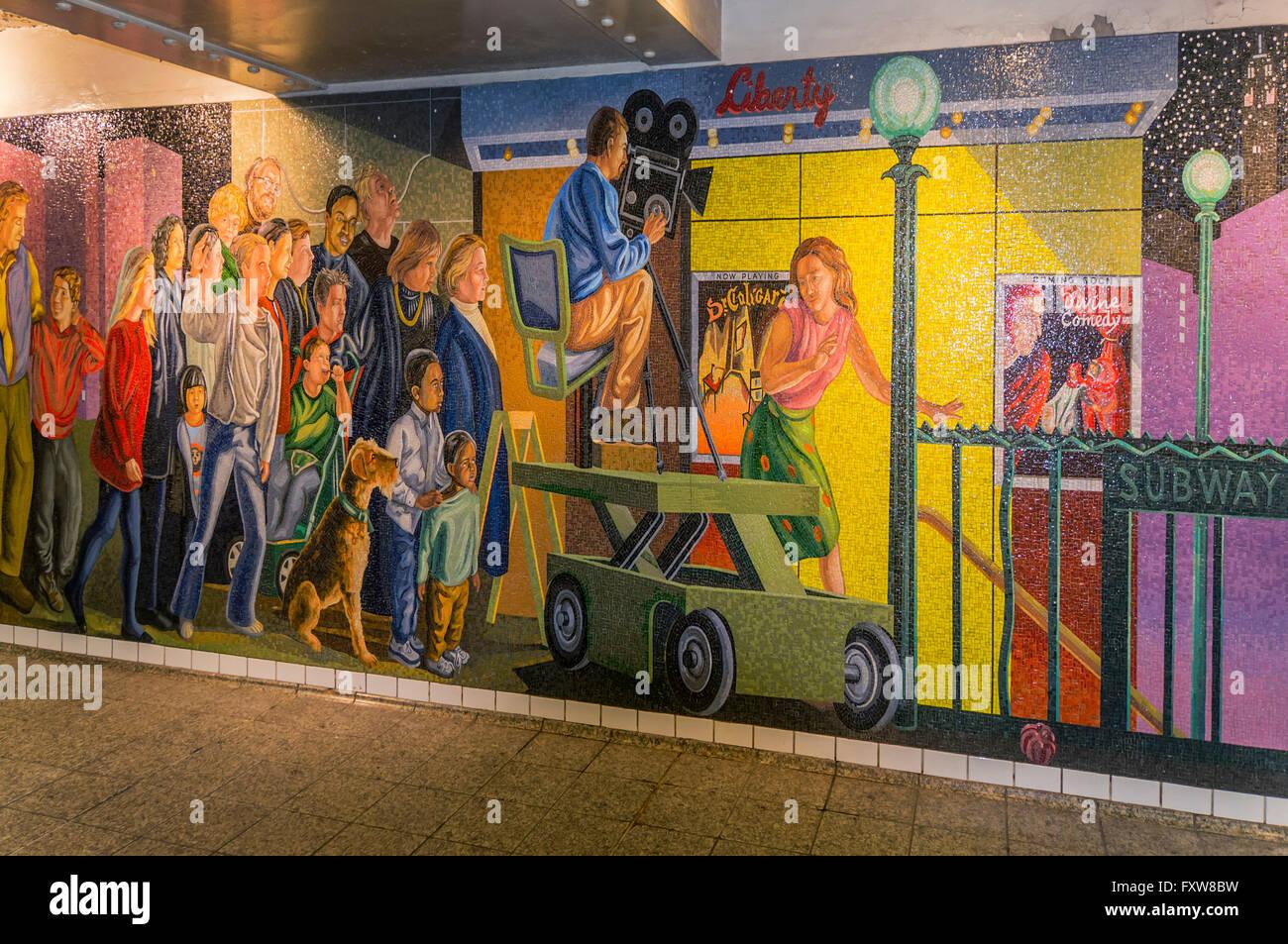 Foto Murales New York.Mural At Times Square Subway New York City Stock Photo