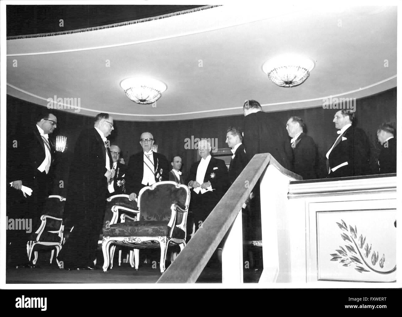 Wiener Opernball - 1959, Regierungs-loge mit Schärf, Raab, Drimmel, von Karajan - Stock Image