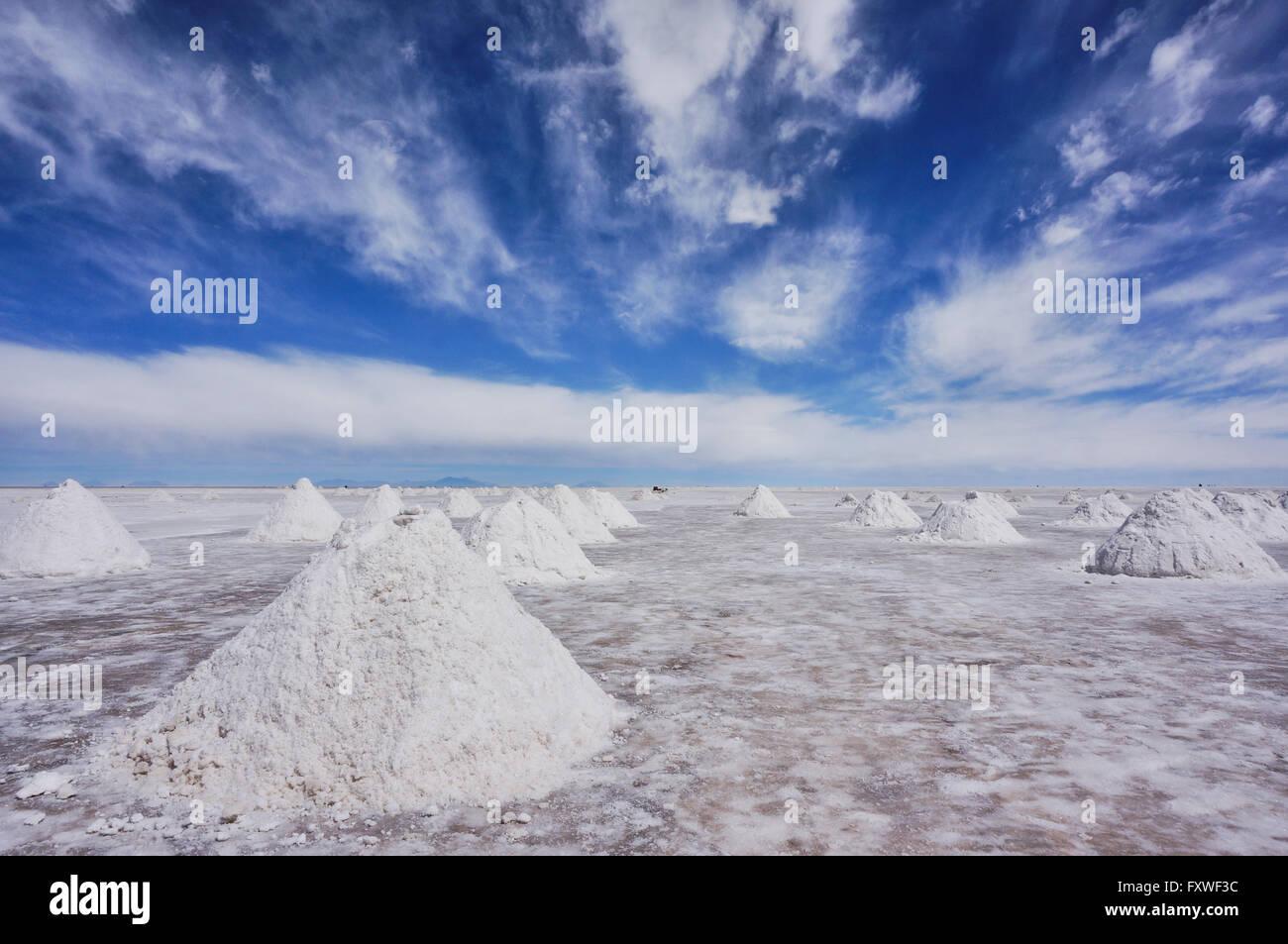 Bolivia -  22/08/2013  -  Bolivia / Salar de Uyuni / Uyuni  -  Salt desert, Uyuni   -  Sandrine Huet / Le Pictorium - Stock Image