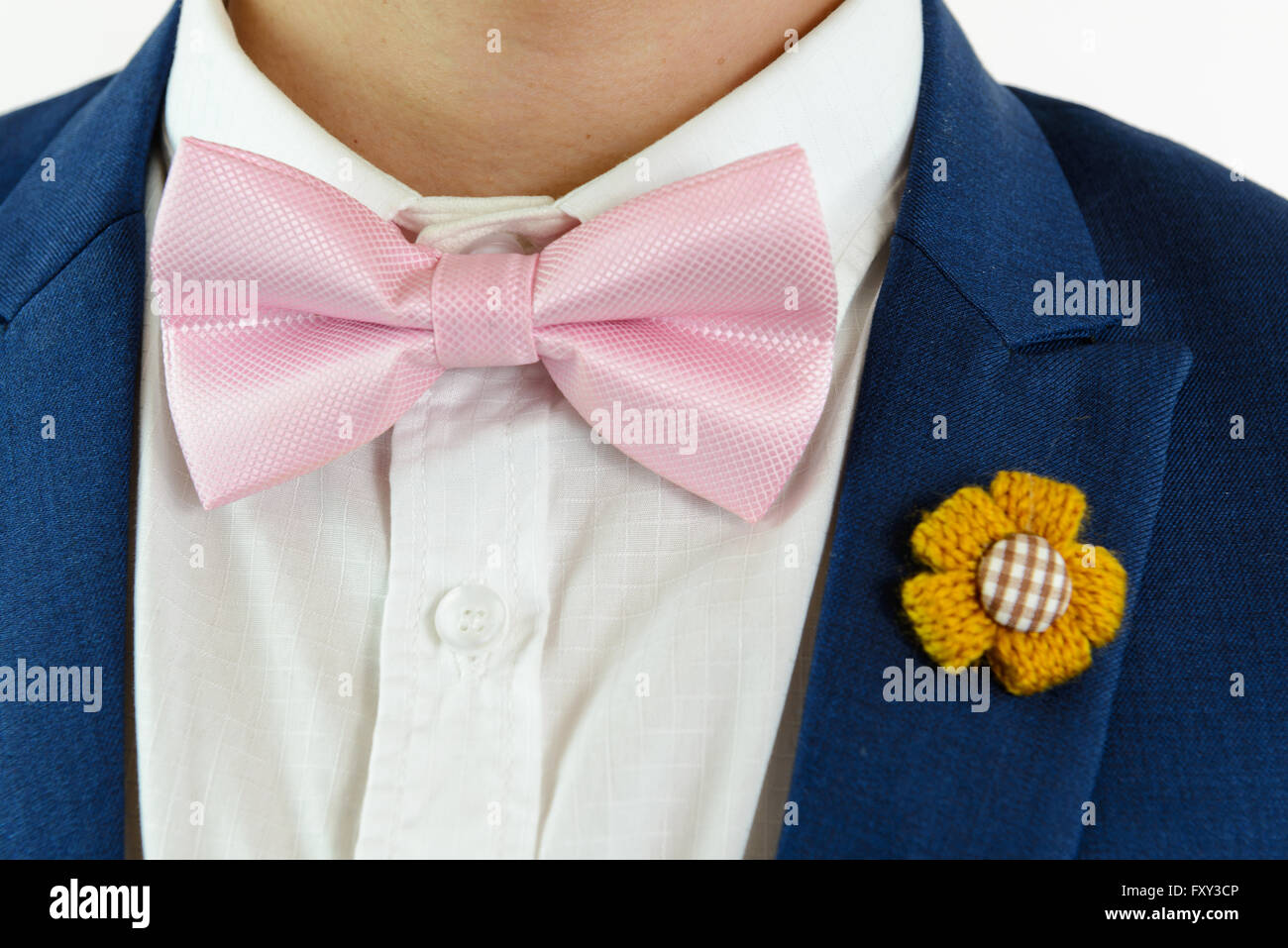 dress - How to pink a wear bow tie video