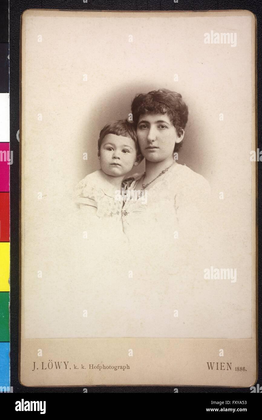 Mutter mit kleinem Kind - Stock Image