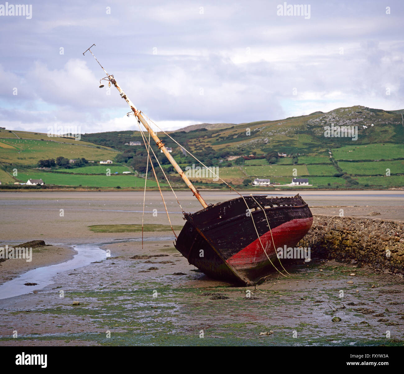 Old fishing boat in Dunfanaghy harbour, County Donegal, Ireland - Stock Image