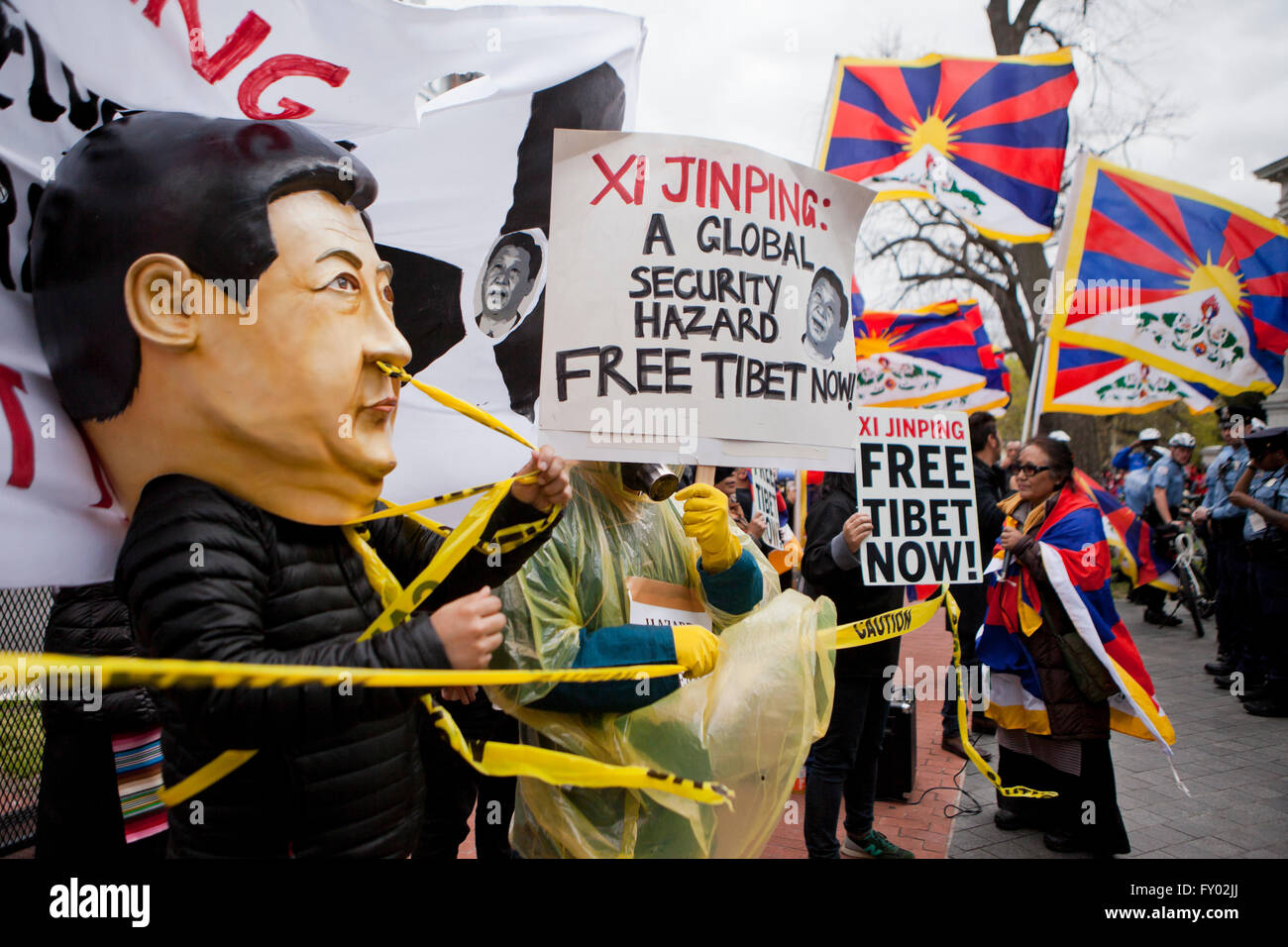 Tibetan-Americans protesting against Chinese president Xi Jinping during his visit to Washington, DC USA - Stock Image