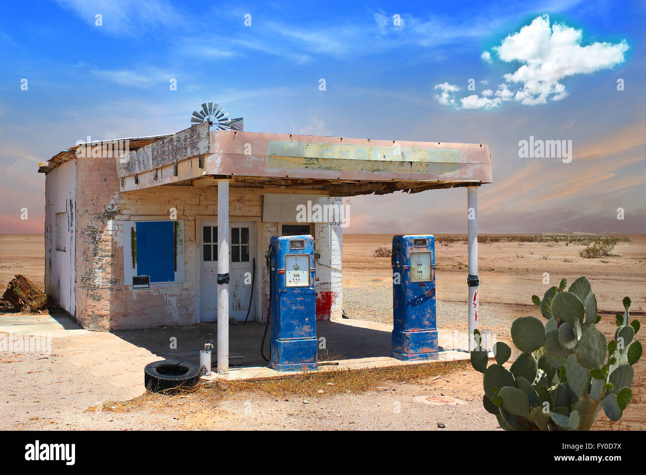1940s Gas Station High Resolution Stock Photography And Images Alamy