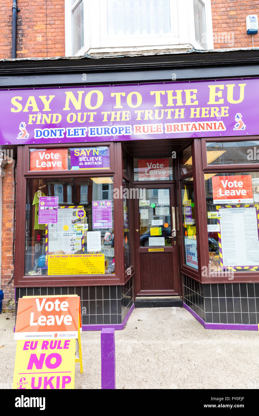 Say no to the Euro EU vote Ukip shop vote leave Brexit sign signs UK England Bridlington - Stock Image
